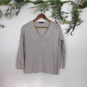 Zara knit light weight vneck sweater